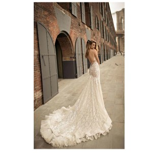 Berta Bridal Ivory Lace 18-14 Sexy Wedding Dress Size 6 (S)