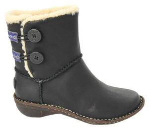 UGG Australia Lillie Leather 3336 Sheepskin Black Boots