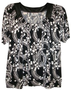 Worthington Top Black & White Print Size 1x