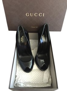 Gucci Stiletto Heel Pump Pumps Patent Leather Leather Peep Toe Gold Hardware Black Formal