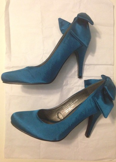 Wet Seal Bow New Formal