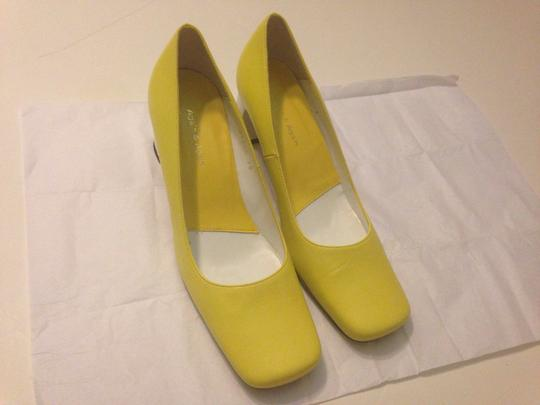 Again & again Spain New 38 8 White Yellow Comfy Pumps
