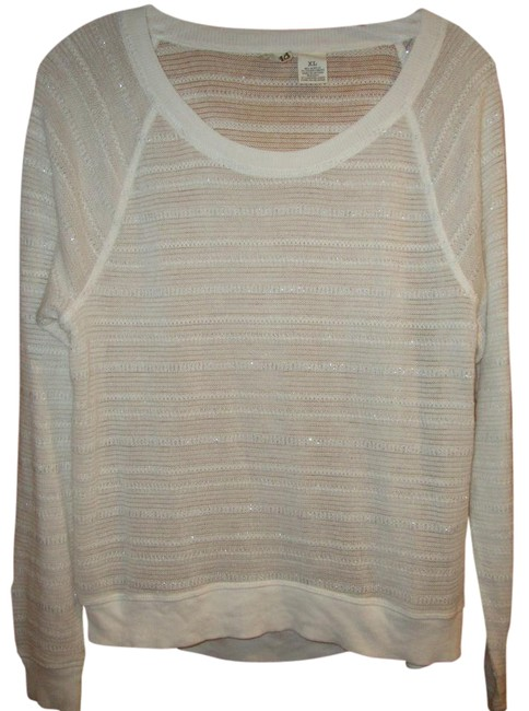 Preload https://item5.tradesy.com/images/mudd-boat-neck-lightweight-white-with-silver-sweater-933689-0-2.jpg?width=400&height=650