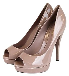 Gucci Patent Leather Platform Winter Rose Pumps