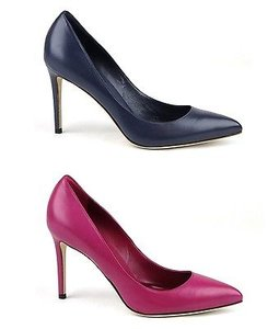 Gucci Leather Pointed Toe Pumps