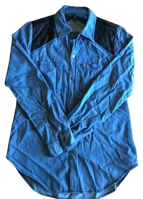 Preload https://item3.tradesy.com/images/forever-21-button-down-top-size-2-xs-934372-0-0.jpg?width=400&height=650