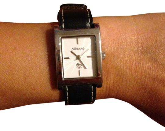 Preload https://item2.tradesy.com/images/billabong-silver-white-for-women-watch-935101-0-0.jpg?width=440&height=440