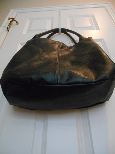 Preload https://item3.tradesy.com/images/large-professional-trendy-purse-black-simulated-pebbled-leather-tote-935317-0-0.jpg?width=440&height=440