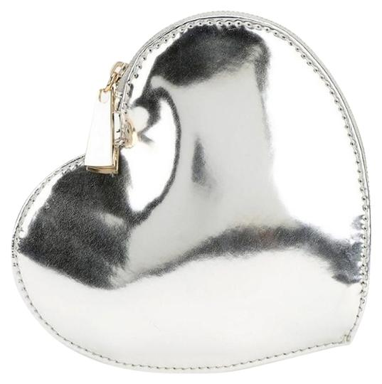 Preload https://item3.tradesy.com/images/urban-outfitters-silver-big-heart-zip-pouch-new-wallet-935447-0-0.jpg?width=440&height=440