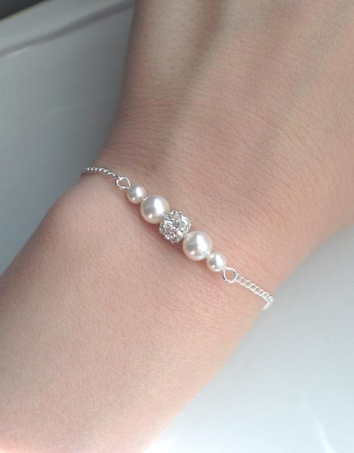 Item - White Cream Pink Grey Set Of 6 Pearl and Rhinestone Bridesmaid Pearl and Crystal Floating Pearl Bracelet