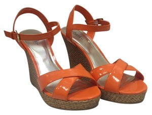 Charles by Charles David Patent Orange Wedges