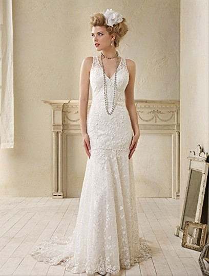 Alfred Angelo White Dramatic Drop Waist Lace 8507 Feminine Wedding Dress Size 10 (M) Image 0