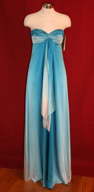 Item - Blue Degrading Ombre Strapless Rouched Sweetheart Sea Gown Da0068 Formal Bridesmaid/Mob Dress Size 2 (XS)