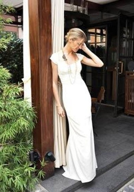 Item - Ivory Silk Shired Cap Sleeve Bridal Gown Hg0016 Formal Wedding Dress Size 6 (S)