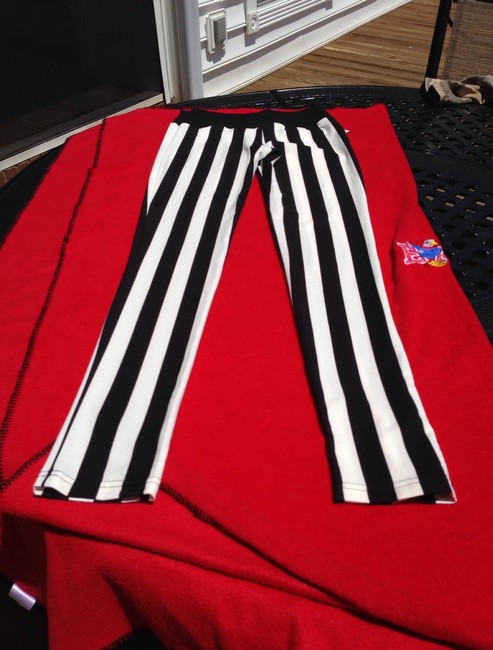 Isabel queen Side Zipper Soft Light Weight These Are Not One Size. They Are Actually 36 Skinny Pants Umpire/ black- white