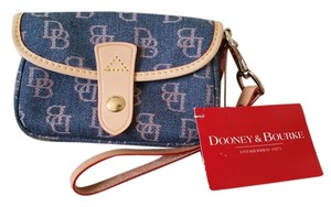 Dooney & Bourke & Leather Fabric Handbag Wristlet in Blue