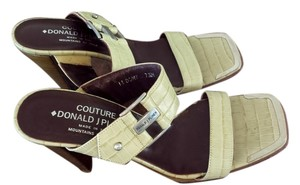 Donald J. Pliner green Sandals