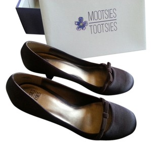 Mootsies Tootsies Mary Jane Bow Satin Brown Pumps