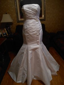 Enzoani Brand New Modeca Noa W/sash Wedding Dress