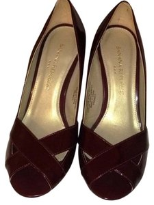 Banana Republic Maroon Pumps