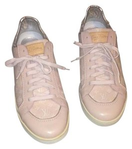 Louis Vuitton Pink monogram Athletic