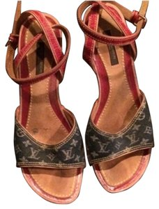 Louis Vuitton Blue mono LV denim /trim red Pumps