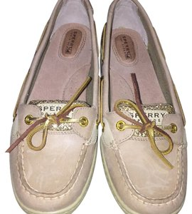 Sperry Begie with gold Flats