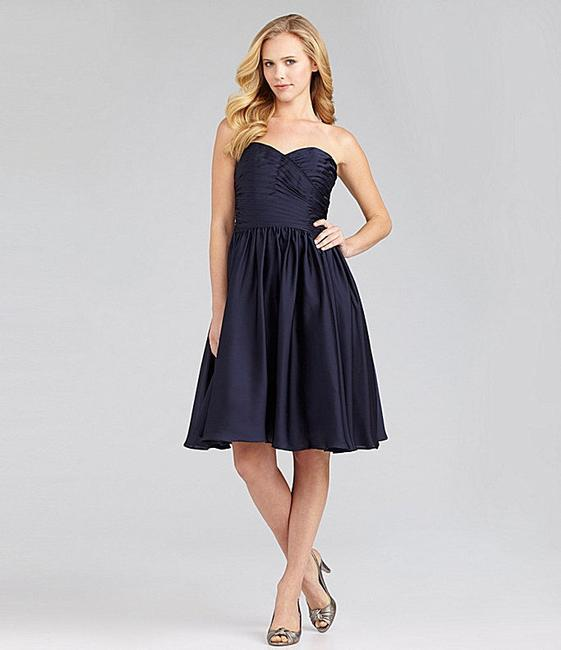 Item - Navy Polyester Strapless Traditional Bridesmaid/Mob Dress Size 6 (S)