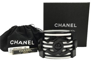 Chanel Rare Cruise 2014 14C Black White Stripe Lego Brick Bracelet Resin CC Cuff