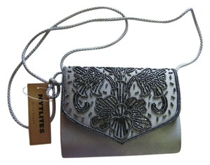 La Regale Gray Clutch