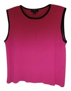 Finity Top Pink, black on sleeves
