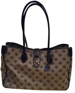 Dooney & Bourke Tote in Black and Gray