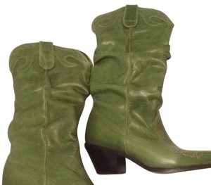 8f93df44d98 Green Steve Madden Boots & Booties Up to 90% off at Tradesy