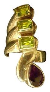 Italian made ring with peridot and amethyst