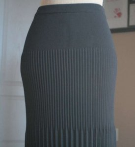 Grace Dane Lewis Pleated Pencil Fitted Skirt Black