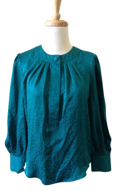 Preload https://item5.tradesy.com/images/turquoise-silk-blouse-size-4-s-941414-0-0.jpg?width=400&height=650