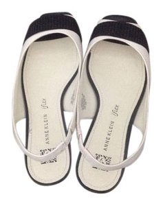 Anne Klein Black and white Flats