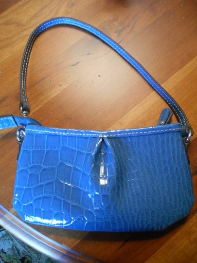 Liz Claiborne Convertible Strap Purse Wallet Small Sweet New Wristlet in Blue