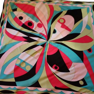 Scarf with Pucci like design