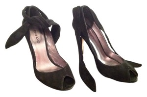 bebe Black suede Pumps