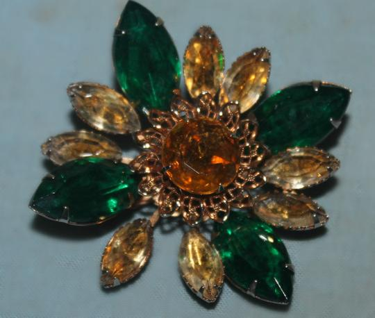Macy's Beautiful Vintage Yellow and Green Flower Brooch
