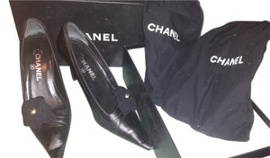 Chanel Vintage Leather Black Pumps