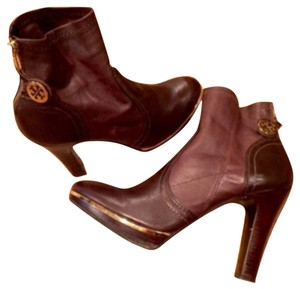 Tory Burch Brown Booties /large logo charms. Lk New! 8.5 Brown Boots