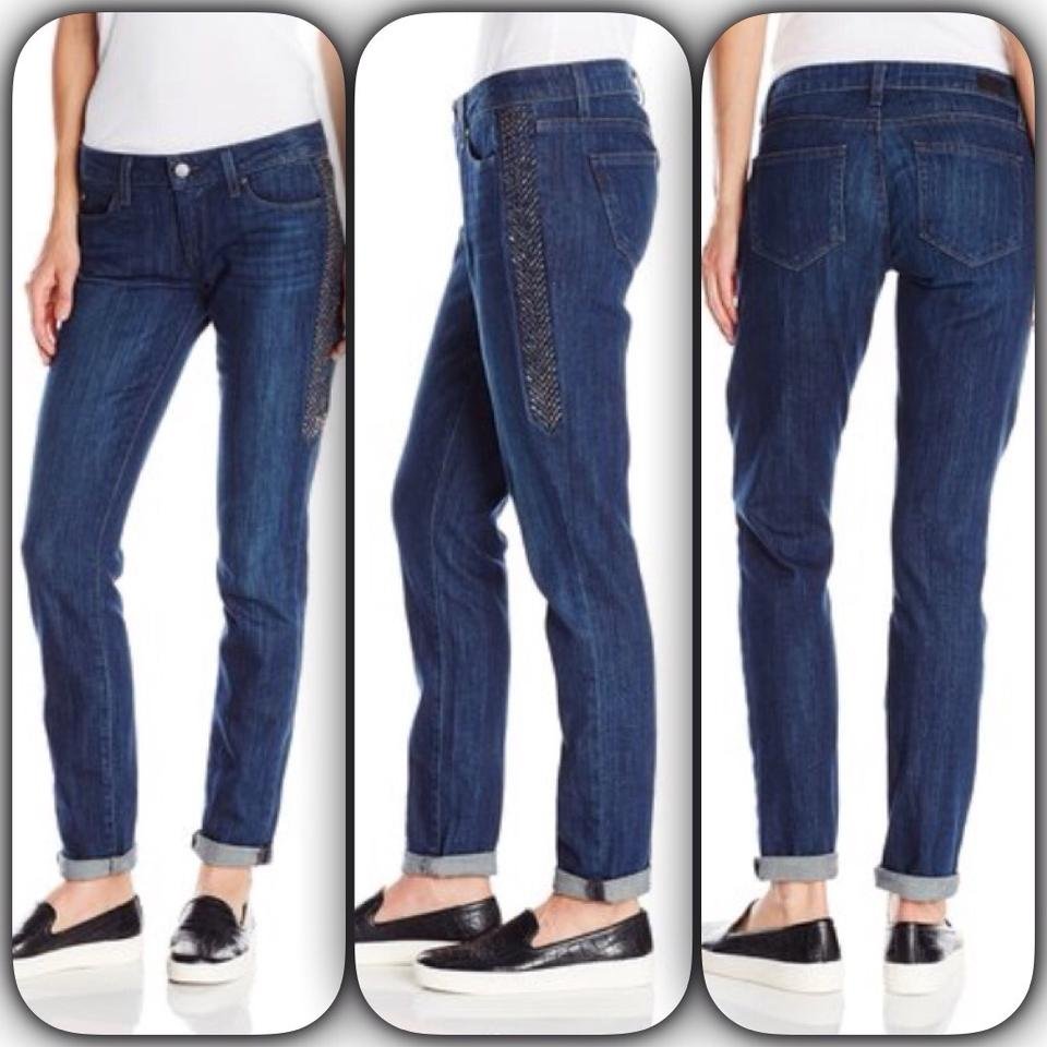 At American Eagle Outfitters, we've spend the past four decades developing our craft to become America's favorite jeans brand. Our women's jeans collection is brimming with tried and true fits you love, the latest trends, and all of the washes and details you're looking for to help make every pair of jeans .
