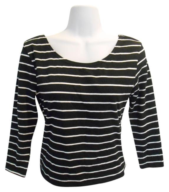 Preload https://item2.tradesy.com/images/divided-by-h-and-m-black-and-white-scoop-front-stripe-medium-tee-shirt-size-10-m-942071-0-0.jpg?width=400&height=650
