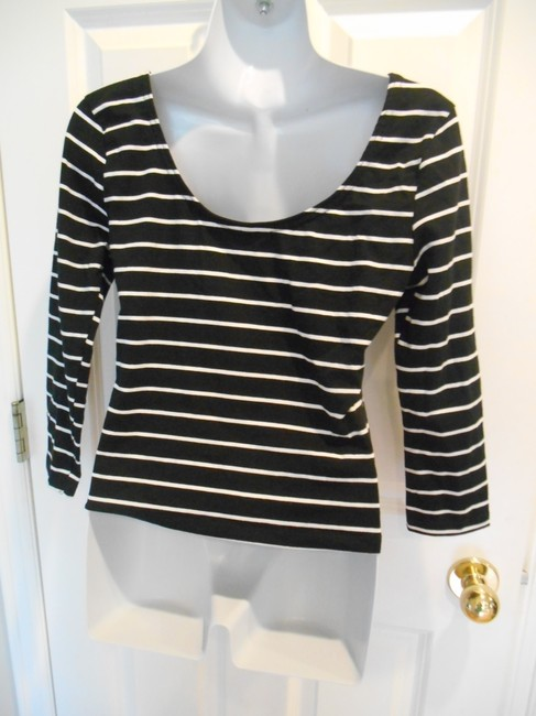 Divided by H&M Scoop Scoop Striped & T-shirt Office Casual Basic Medium 8 10 Med Stretch T Shirt Black and White