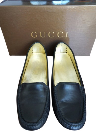 Preload https://item5.tradesy.com/images/gucci-black-leather-flats-size-us-6-942124-0-0.jpg?width=440&height=440