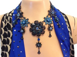 Other Blue Flower necklace