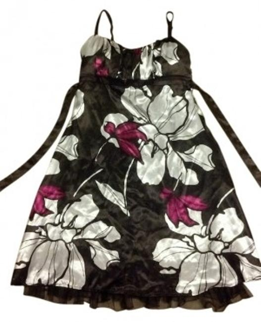 Item - Brown with White & Pink Flowers Knee Length Short Casual Dress Size 6 (S)