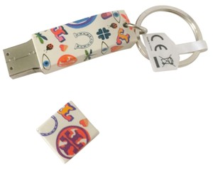Tory Burch Tory Burch Limited Edition Luck Print USB 2GB
